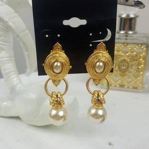 Vintage Gold Pearl Dangly Earrings